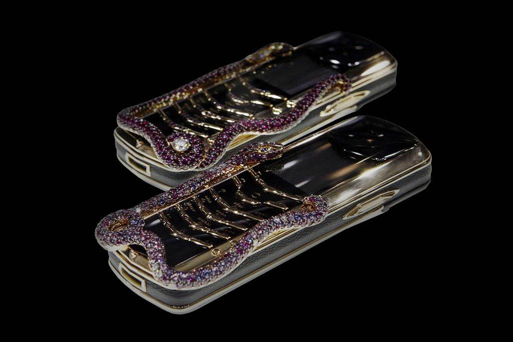 VERTU SIGNATURE COBRA, PYTHON & SNAKE LIMITED EDITION MJ CUSTOMIZING Case from Platinum Gold 777, White & Color Diamonds, Blue Sapphires, Rubies...