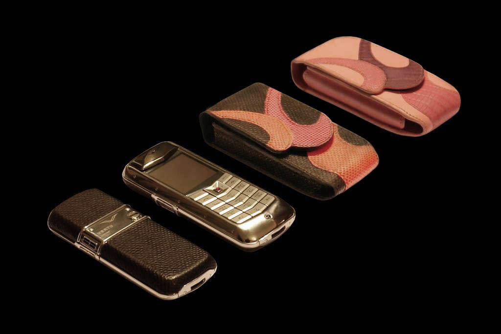 VERTU CONSTELLATION PLATINUM ROYAL KIT LADIES & GENTLEMEN EDITION by MJ Pink Gold, Pink Diamond, Pink Karung Snake Skin Gold Phone with Luxury Mobile Case